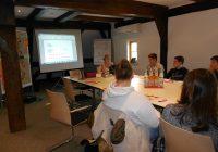 Die Klasse 9 des Caspar-Mohr-Progymnasiums beim Bewerbertraining der Kreissparkasse