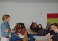 IHK-Mitglieder diskutieren mit Schussenrieder Schülern über Europa