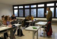 SOS-Kinderdorf im Unterricht
